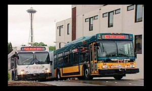 2004: The first GM hybrid delivered to Seattle, looking very much like a traditional bus (http://editorial.autos.msn.com/article.aspx?cp-documentid=435202)